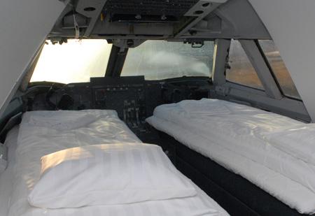 hostel-jet-uppsala-cockpit